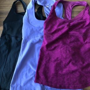 EUC Lululemon Tank tops sz 4 - Energy, scoop neck